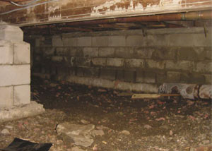 Rotting, decaying crawl space wood damaged over time in Tamworth