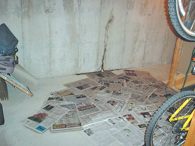 Sealing Basement Leaks In Walls : Basement floor wall crack repair leaking cracks